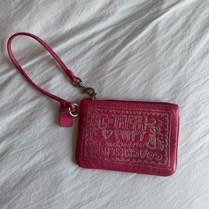 Pink Coach Wristlet with Graphic Design 💗💓💕